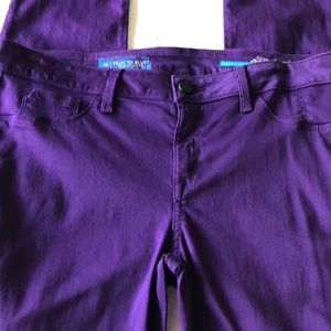 New from Neiman Marcus purple skinny jeans. Size32